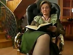Granny Scopata Sulla Sedia