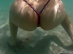 Bratperversions.com Spycam Beach Underwater  Cam