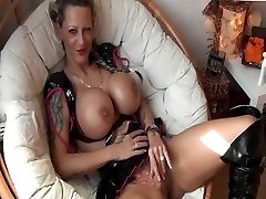 Tattooed German Girl with big Globes gets romped