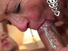Cum do úst matky a grandmoters