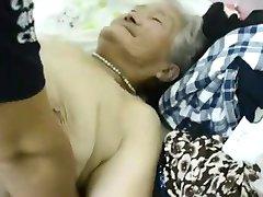asijské babička 1