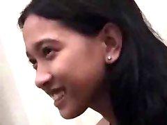 Mlada Azijska Djevica Gubi Sve Video Da S Ogromnim Cumshot