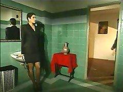Elegantan talijanski zrele varanje muža na restoran