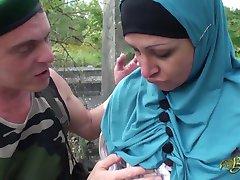 Нафила Иссид - hijabi нахрен stroj