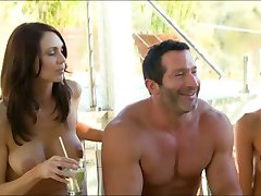 Novi mladi par odlazi na swingers party prvi put