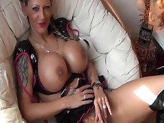 Potetovaná německá Dívka s velký Kozičky gets fucked
