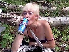 Ošklivé homless děvka))