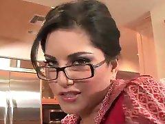 Sunny Leone - joi pro ni