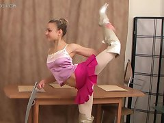 flexibilní dívka, Valentina Vladimirova (12-HD.wmv)