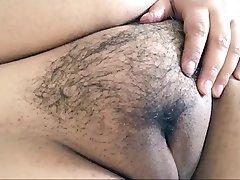 Pussy masturbira