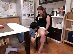 Japonská Prsatá Máma Přišla do Mého Domu