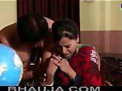 Majburi Sexy Desi Indian Aunty Polistation Mein Chud Gayi - bhauja.com