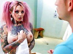 Sydnee Vicious & Bill Bailey in Big Tit Tattooed Stepsister Sydnee Vicious - BurningAngel