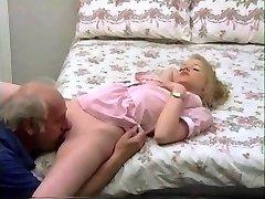 liječenje granddaddy kurac za mlada plavuša