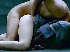 Sylvia Kristel Explicitní Sexuální Scény Ve Emmanuelle 2 Film