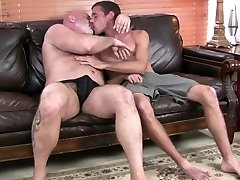 Hot daddy bear gets drilled