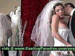Kayla Paige ohromující prsatá nevěsta