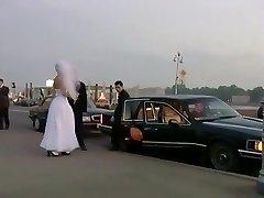 nevěsta děvky - nová nevěsta slaví dostane skupinový sex ve veřejném parku
