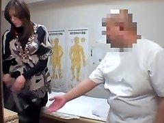 Japanese fingered to orgasm in spycam massage vid