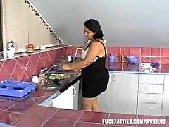 Sexy BBW mais Recente Teve esse Tipo De &ldquo_Help&rdquo_ Na Cozinha!