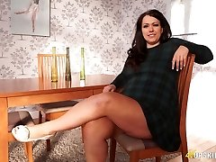 BBW madura Anna Lynn, piscando seus buceta upskirt