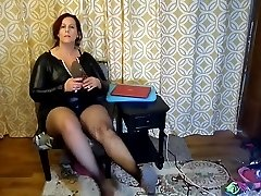 Sexy Mature BBW Try On Nasty Halloween Costumes and Heels