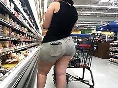 Grande Bunda BBW Latina com Bunda Comer Shorts Parte 1