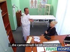 FakeHospital Sujo médico peituda fode estrela pornô