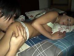 Pai fode de dormir passo namorada 02