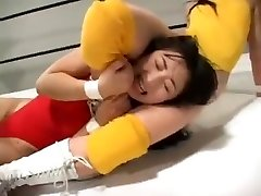 Chinese women grappling
