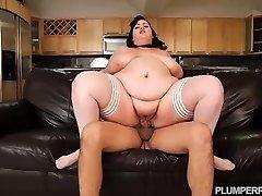 SSBBW Maid Eliza Allure Cleans Juan Largos Stiffy