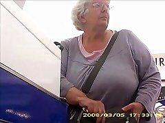 O Granny com bunda grande banda peitos