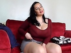Big sex bomb mother with hairy British bawdy cleft