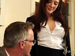 JOYBEAR Sexy Secretário Samantha Bentley recompensado pelo diretor da escola,