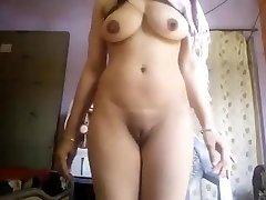 Super Super-hot Big Boobs Desi Girl Nude Selfie