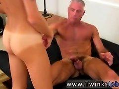 Gay porno video gey messico prima volta Questo super-sexy e muscoloso hunk ha