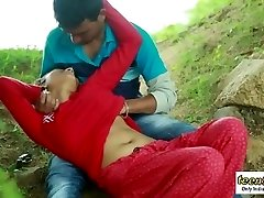 Desi indian girl romantic fucky-fucky in the outdoor jungle - teenie99