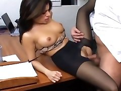 Office lovemaking with a chesty secretary in sexy hosiery