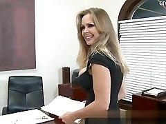 Thick ass wife cum in gullet