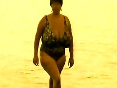 vintag naked huge udders and wide hips  from beach