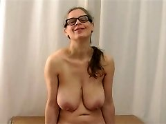 Busty Tina - Wiggling my knockers again Part 1