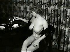 Sweet Smokin MILF from 1950's