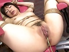 Chick's tight pussy is pounded stiff with a fuck machine