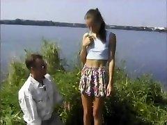 STP4 Skinny Teen Loves A Penetrate Al Fresco !