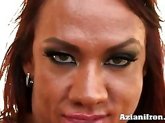 Amber crushes her vag with large dildo
