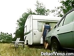 Retro Porno 1970s - Hairy Brown-haired - Camper Coupling