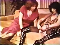 Lesbian Peepshow Loops 612 70s and 80s - Vignette Two