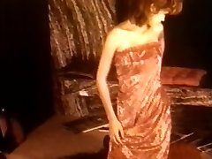 Gaby Ryke - Dame in Crimson