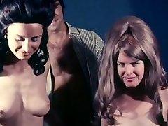 Sucking commence vintage loop 1970 erotic hairy girls