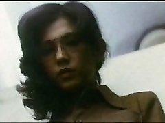 Damsel Teacher : Boy Hunting (1975)